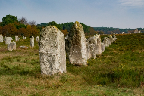 le-menec-alignment-carnac-stones-brittany-france-learn-more-on-road-trips-around-the-world