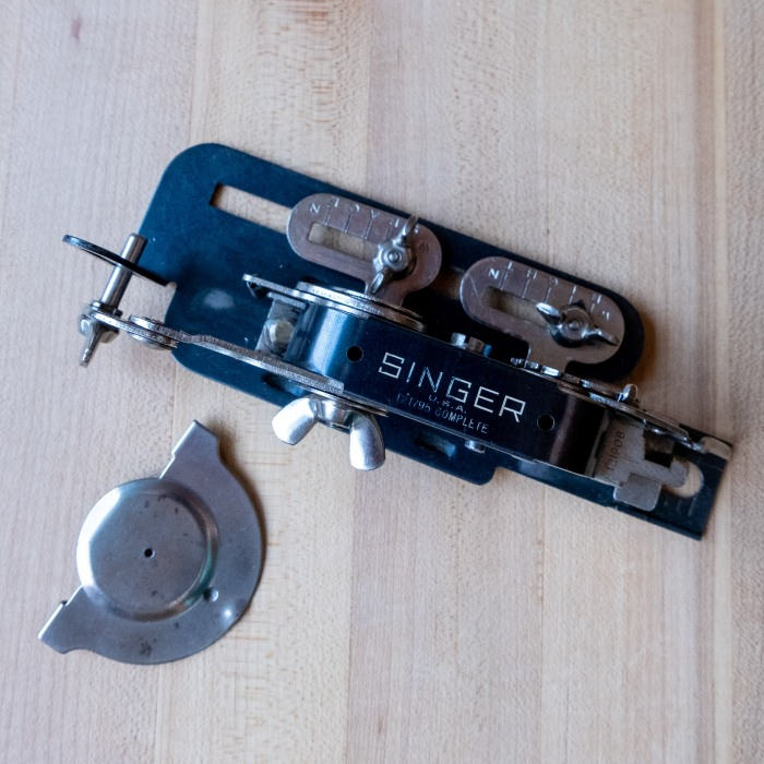 Singer buttonholer attachment 121795 from the 1940's