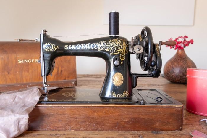Vintage sewing machine - Singer 15K from 1923