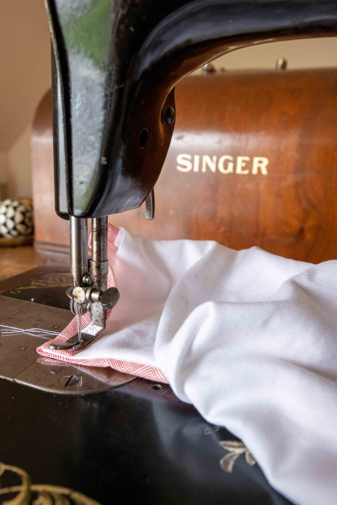 Reverse stitching on a vintage sewing machine