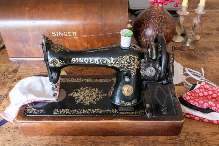 Sewing a face mask on a vintage Singer sewing machine