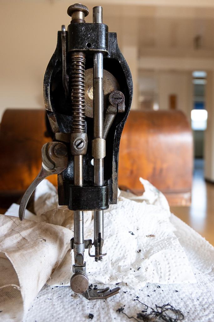 Singer 15K - Vintage sewing machine servicing