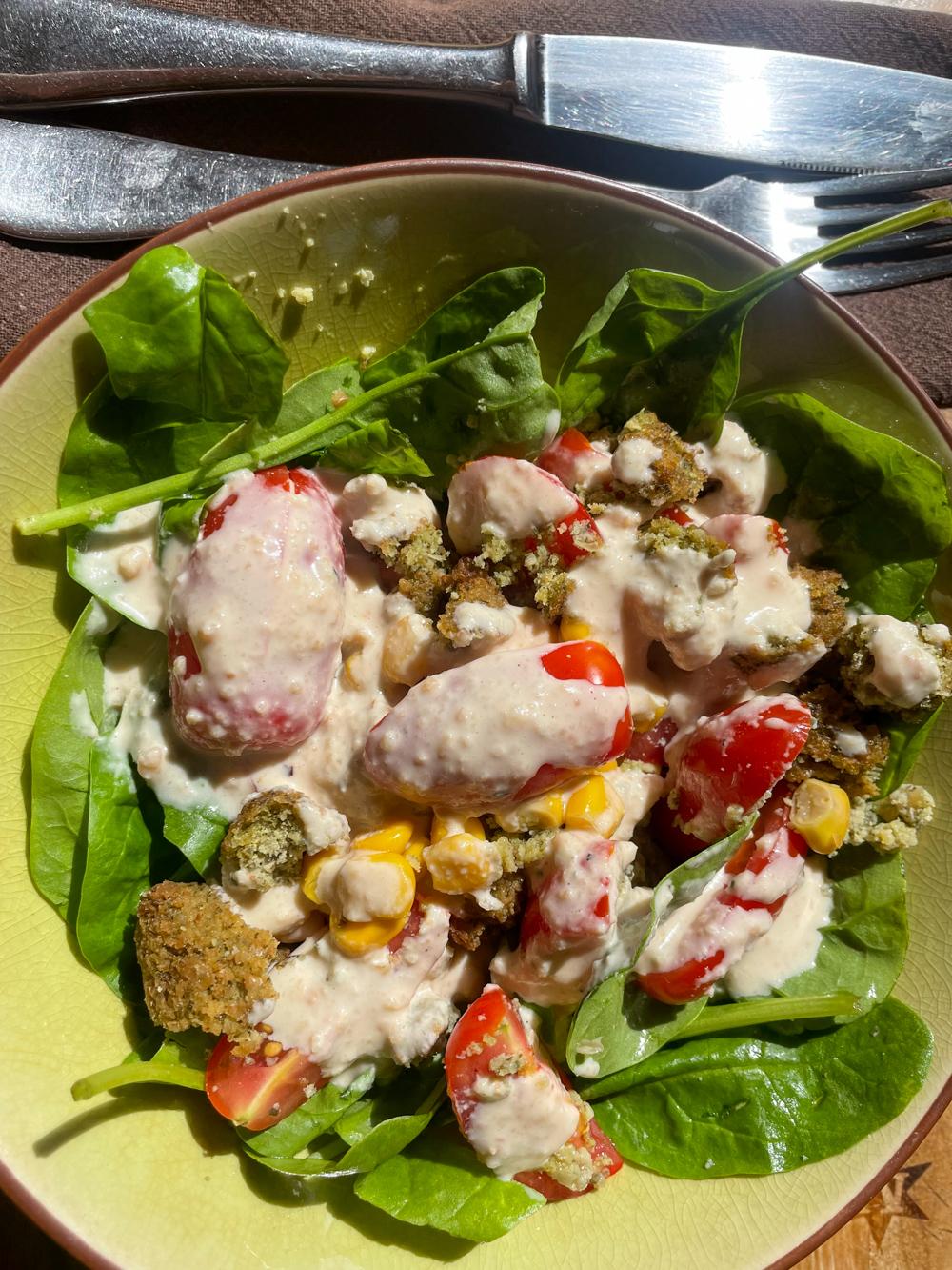Quick salad with yummy peanut dressing