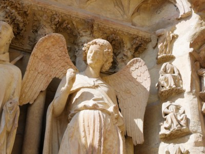 The-smilling-angle-of-the-Reims-cathedral-France-720x478